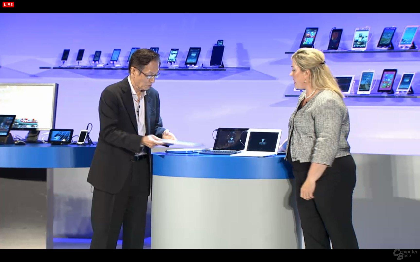 Asus-Chef Jonney Shih mit Intel-Präsident Renée James