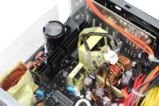 BitFenix Fury 550 Watt - Lötqualität Kabelmanagementplatine