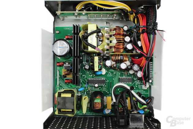 FSP Aurum 92+ 550 Watt - Überblick Elektronik