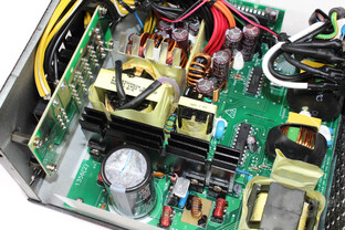 FSP Aurum 92+ 550 Watt - Elektronik im Detail
