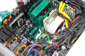 Thermaltake European Series London 550 Watt - Elektronik im Detail