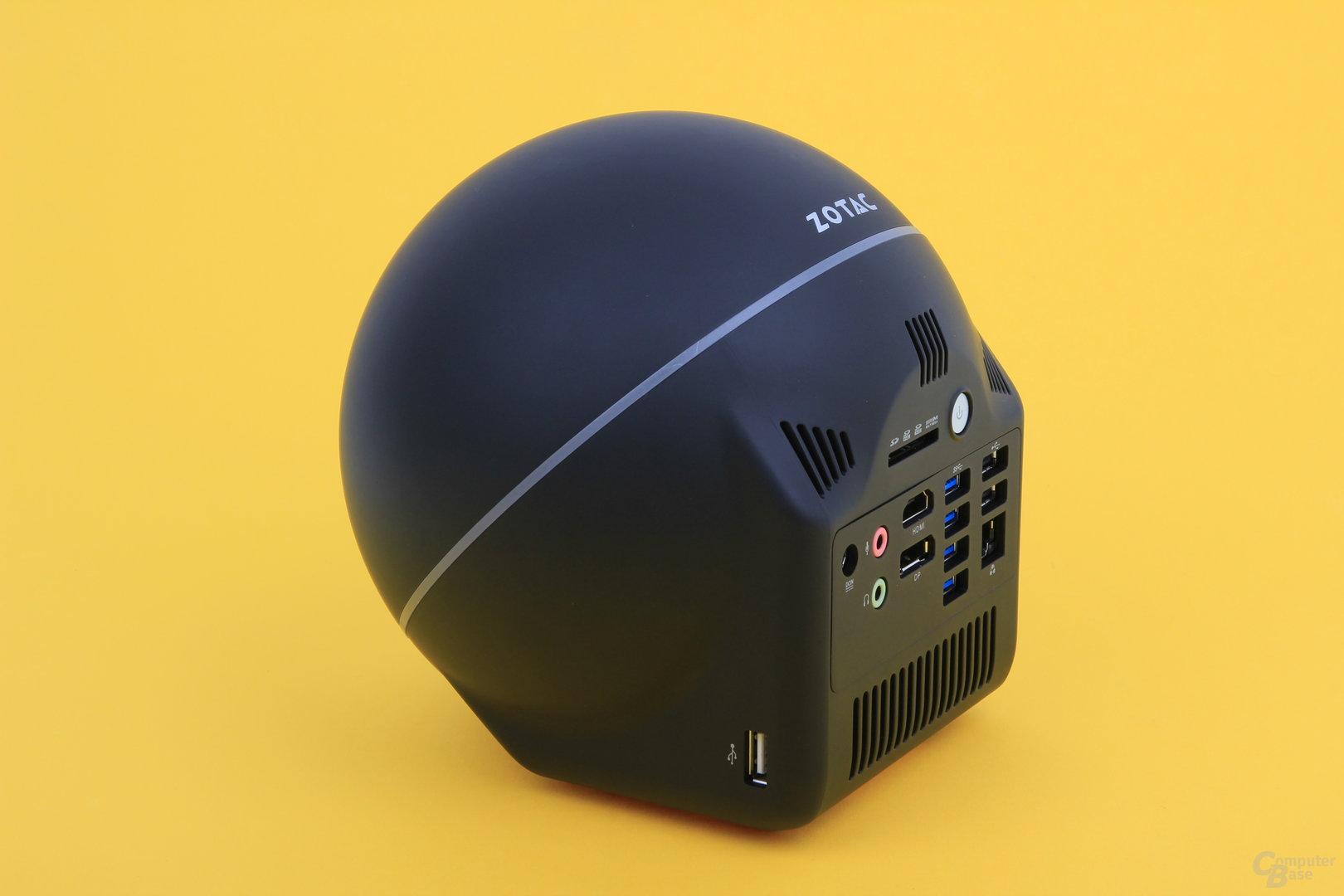 Zotac Zbox Sphere OI520 – seitlicher USB-Port