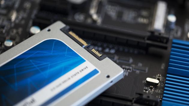 Crucial MX100 SSD im Test: Im Duell mit M500, M550 und 840 Evo