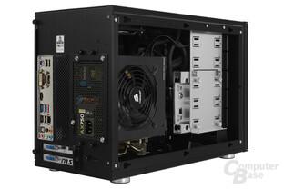 Lian Li PC-Q35 - Testsystem seitlich