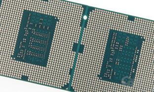 Mehr Kondensatoren beim Intel Core i5-4690K (links) als beim Core i5-4690