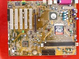 VIA K8M800 (Onboard Grafik) Referenzboard