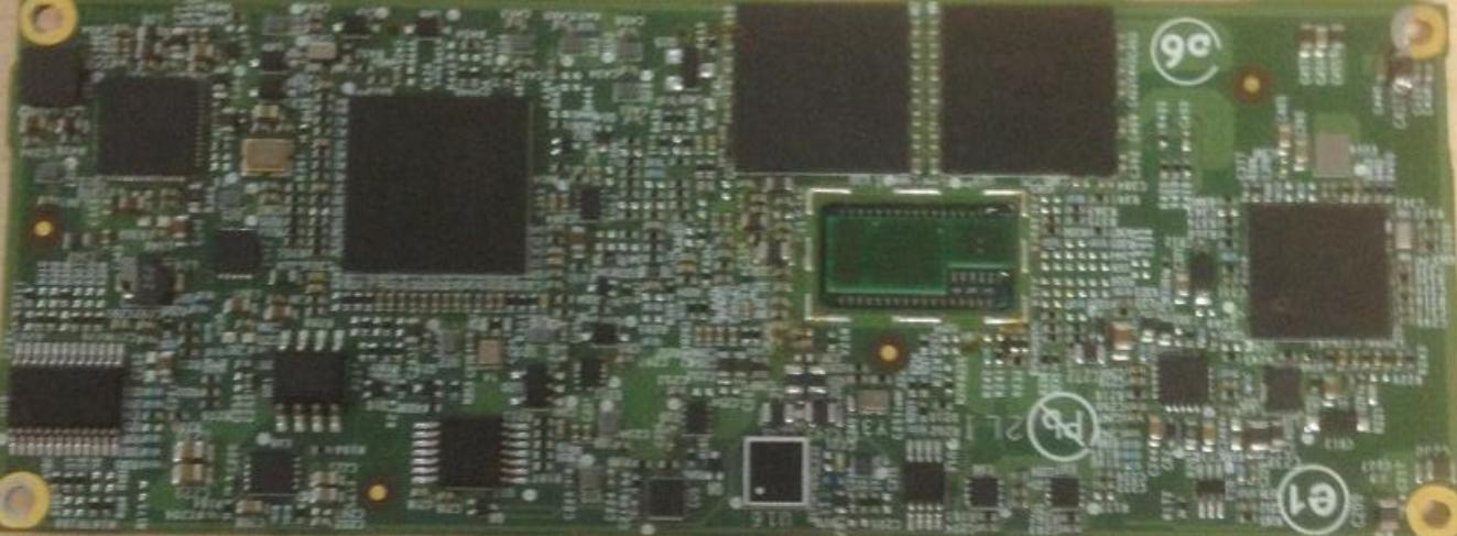 Mainboard-Rückseite mit verlöteter CPU (mittig rechts)