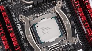 Core i7-5820K und 5960X im Test: Intel Haswell-E mit sechs und acht Kernen