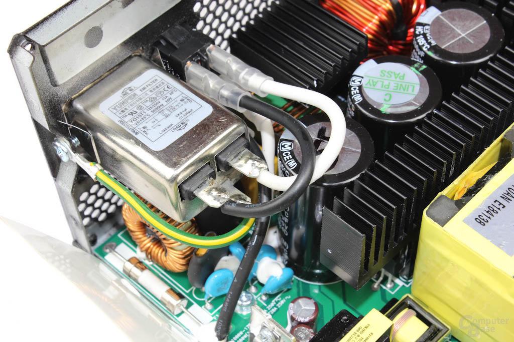 Enermax Platimax 1300W – Eingangsfilterung