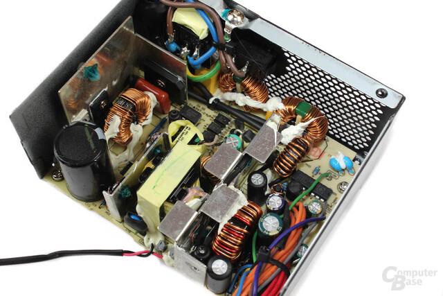 Elektronik - seitliche Ansicht