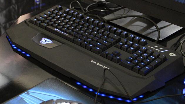 Gamescom 2014: Easars mit Tastaturen und Mäusen im Autodesign