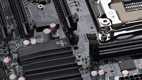 EVGA X99 Micro: Kompaktes Haswell-E-Mainboard trägt Schwarz