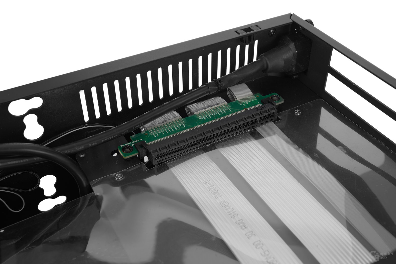 DAN Cases A4-SFX – Hochwertige Riser-Karte von 3M