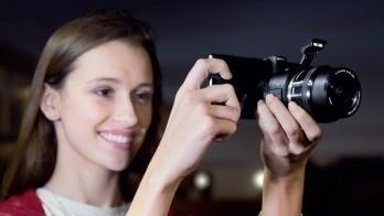 Sony QX1: E-Mount dockt NEX-Objektive an Smartphones an