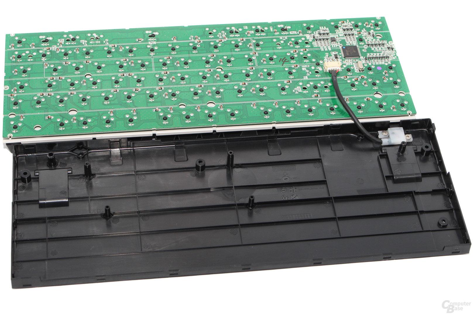 Unterschale, PCB und USB-Anschluss