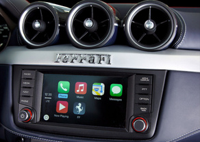Apple CarPlay im Ferrari FF