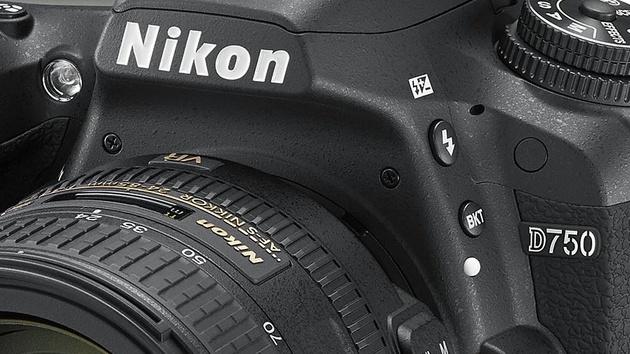 Nikon D750: D700-Nachfolger kommt mit neigbarem Display