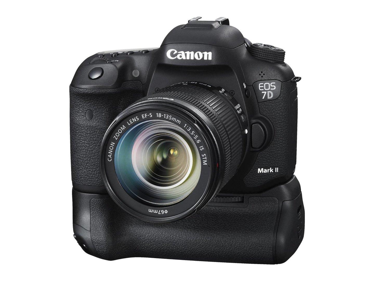 Canon EOSs 7D Mark II mit Batteriegriff BG-E16