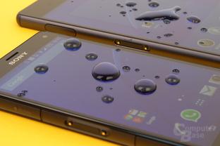 Beide Smartphones sind gegen Wasser und Staub geschützt