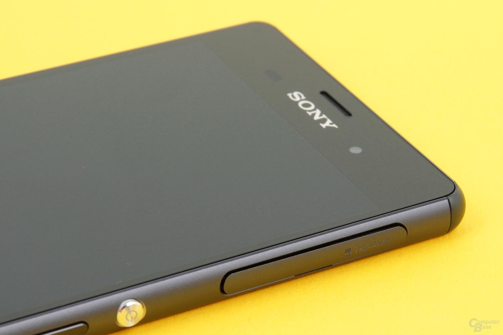 Fächer für microSD-Karte und Nano-SIM