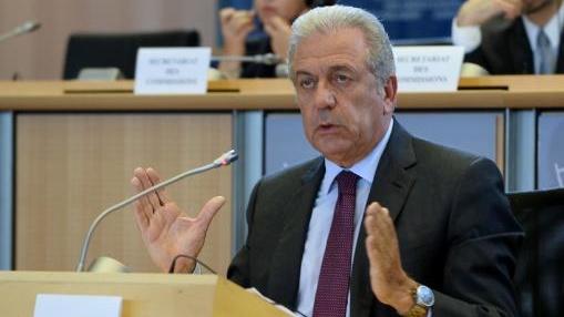 Dimitris Avramopoulos: EU-Kommission setzt auf Vorratsdatenspeicherung