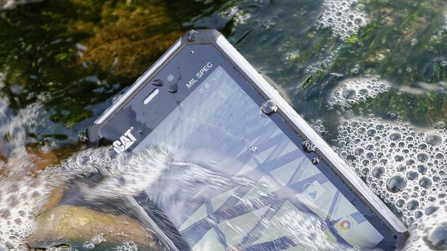 CAT S50 im Test: Robustes Smartphone mit der Lizenz zum Stürzen