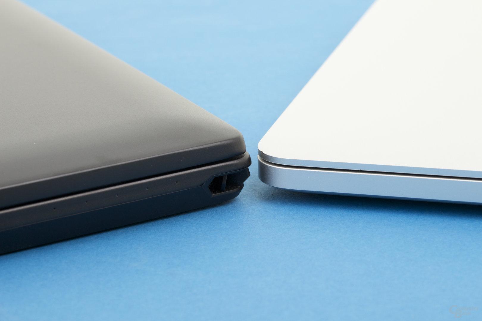 Die Basis ist so hoch wie ein MacBook Pro 15 Zoll
