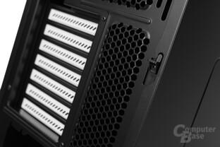 Fractal Design Define R5 – Verschlusssystem linkes Seitenteil