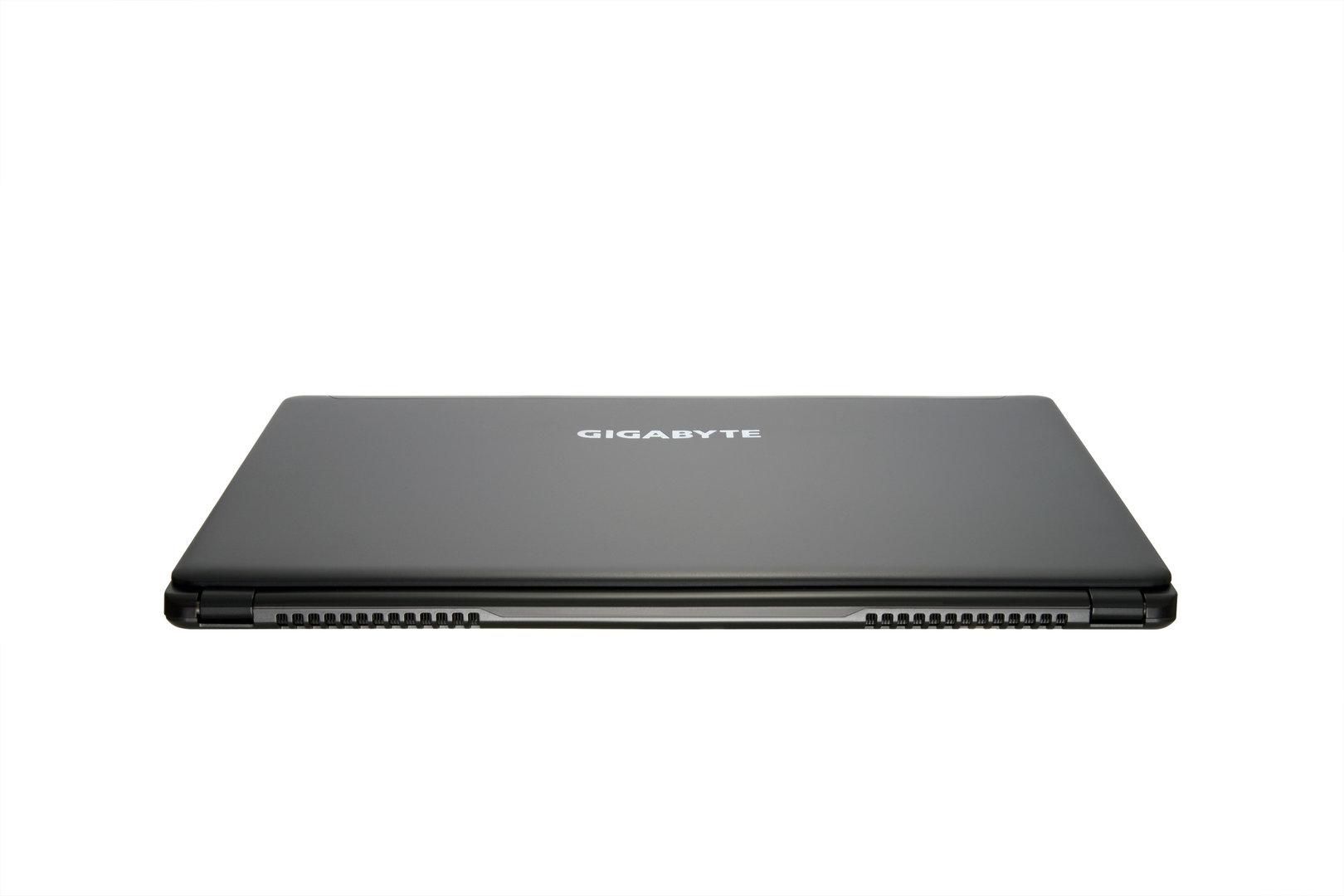 Gigabyte P35X v3 mit GTX 980M