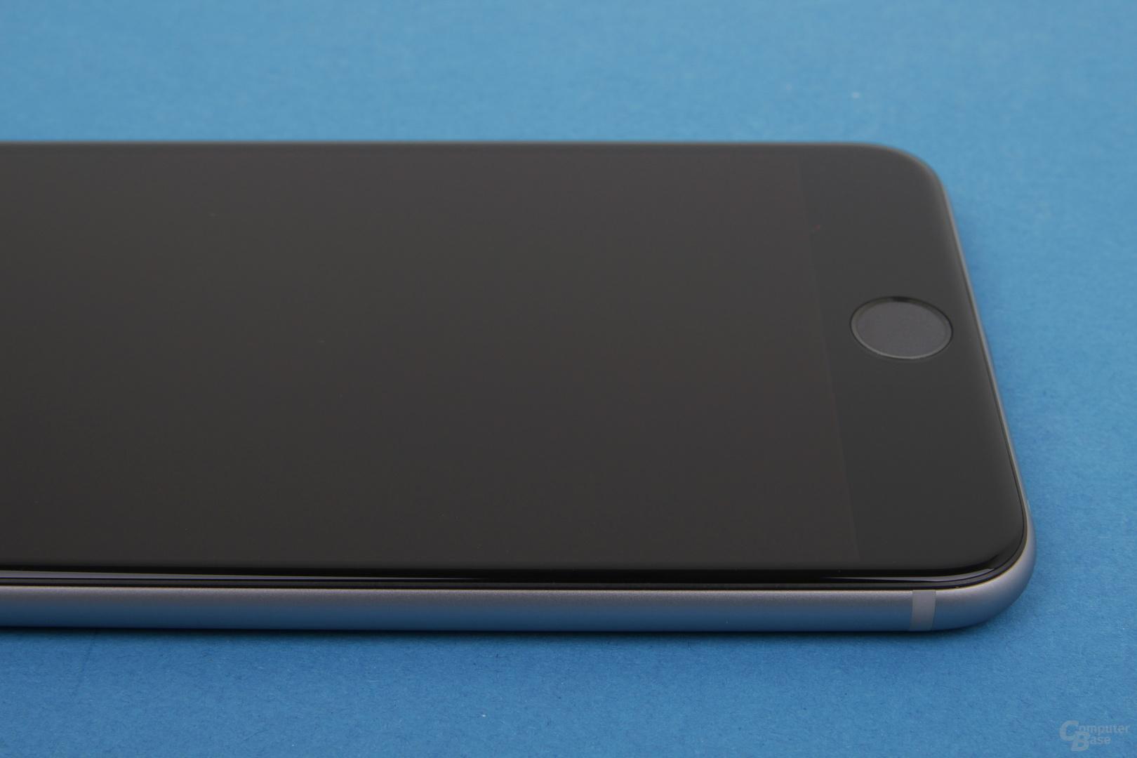 Gewohnt schlichtes Design beim Apple iPhone 6 Plus