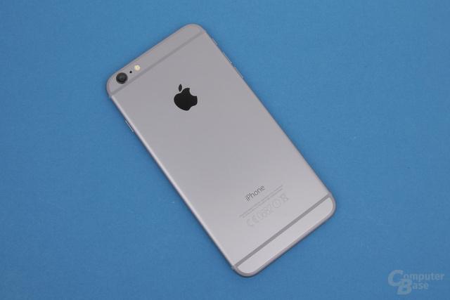 Das iPhone 6 Plus hat einen schöne Rücken, austauschen lässt sich hier aber nichts