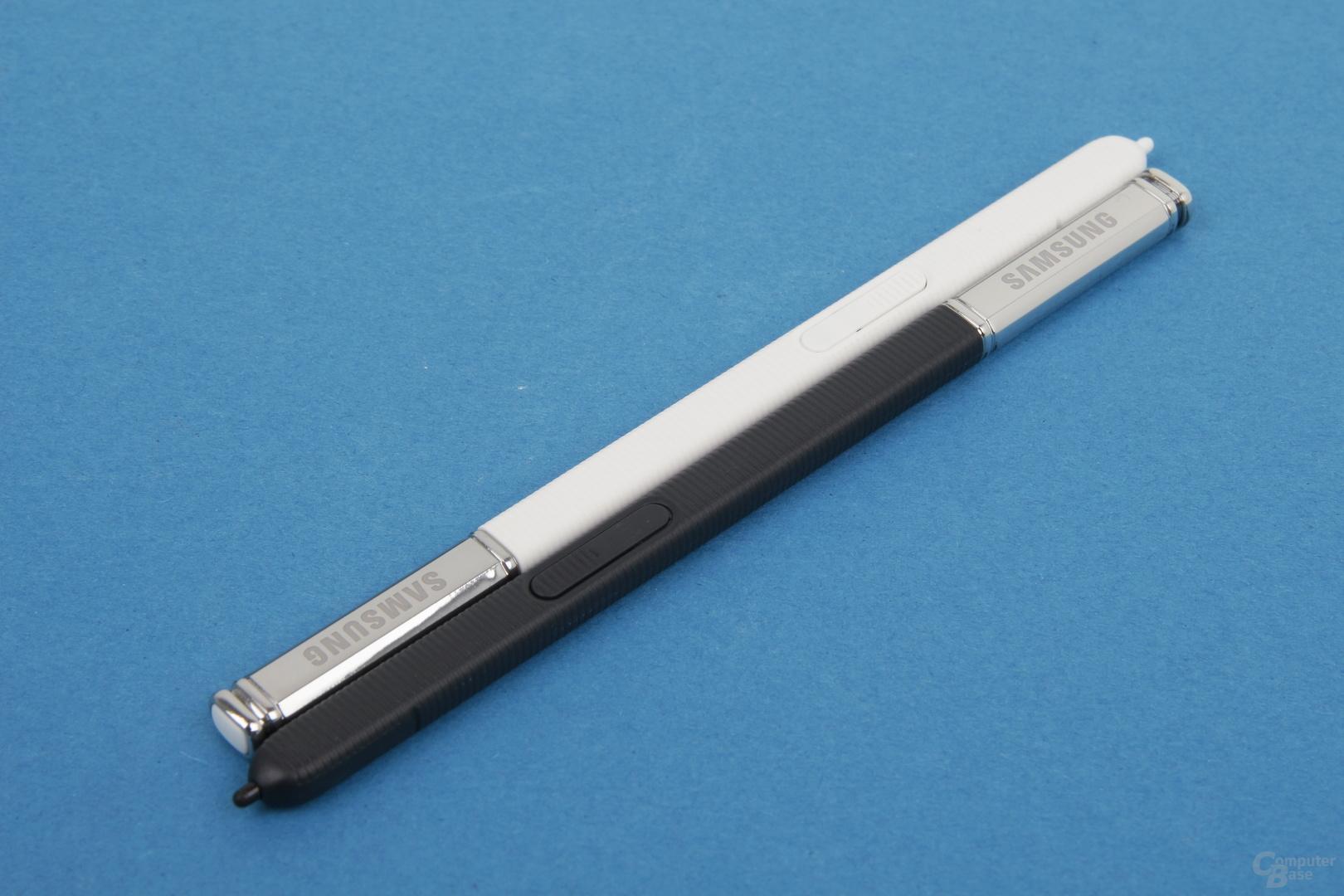 Samsung S Pen: Der Stift mit 2.048 Druckstufen kommt jeweils in Gehäusefarbe
