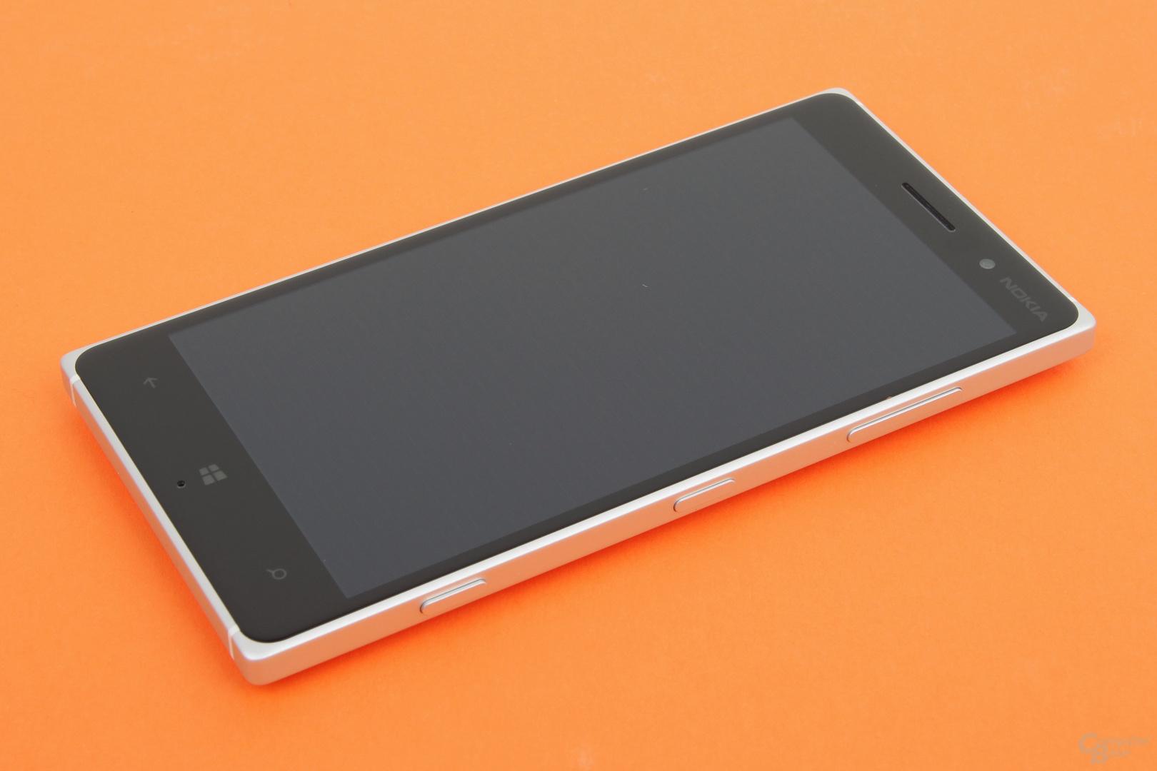 Das Nokia Lumia 830 unterstützt Glance Screen