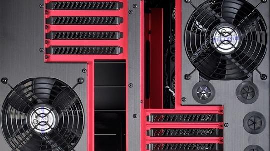 Lian Li PC-D666: Dieses Gehäuse bietet Platz für zwei Rechner