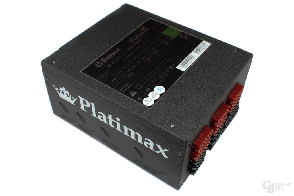 Enermax Platimax 1350W – Oberseite mit Datenblatt