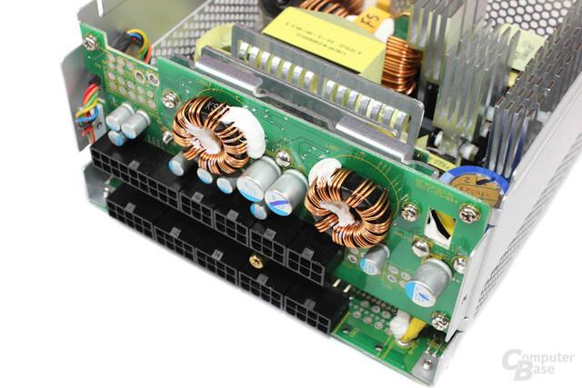 VRM-Module auf der Kabelmanagement-Platine