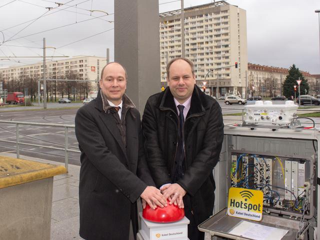 Lokalpolitiker begrüßten die öffentlichen Hotspots, hier Dirk Hilbert