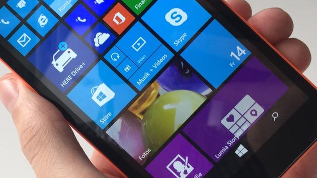 Lumia 535: Microsofts erstes Smartphone ausprobiert