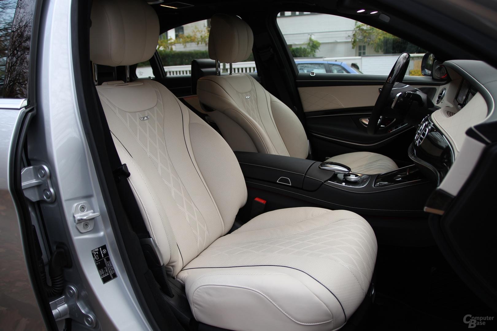Der Sitzkomfort ist sowohl vorne als auch im Fond unerreicht gut