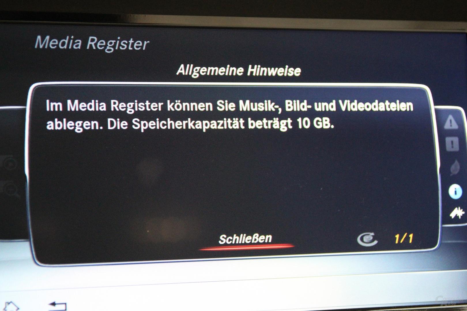 Aux-Eingang / Media Register für Musik, Video und Bilder mit 10 GB