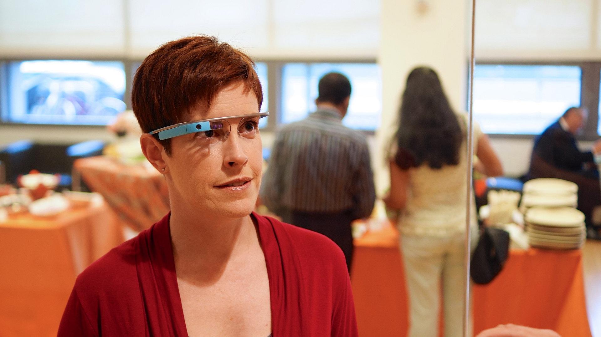 Die Datenbrille Google Glass setzt ab 2015 auf Intel