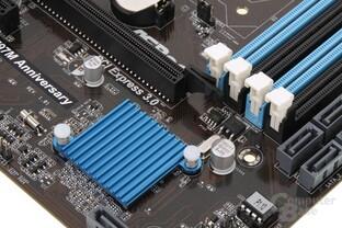 Chipsatzkühlung im Sparpaket bei ASRock – mehr ist gar nicht nötig
