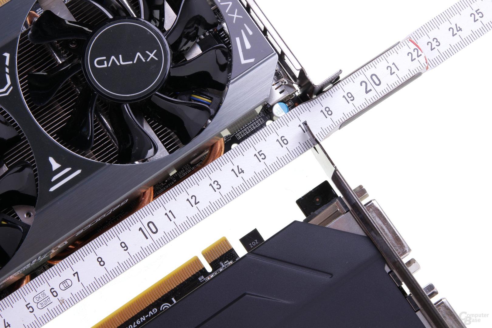 PCB und Kühler messen beim Modell von Galax nur 18 Zentimeter