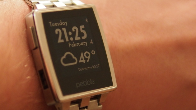 Pebble: Smartwatch interagiert nun auch mit Android Wear