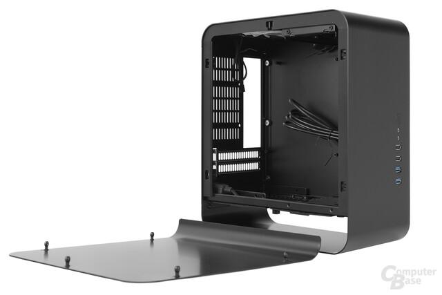 Cooltek UMX1 Plus – Linkes Seitenteil abgenommen
