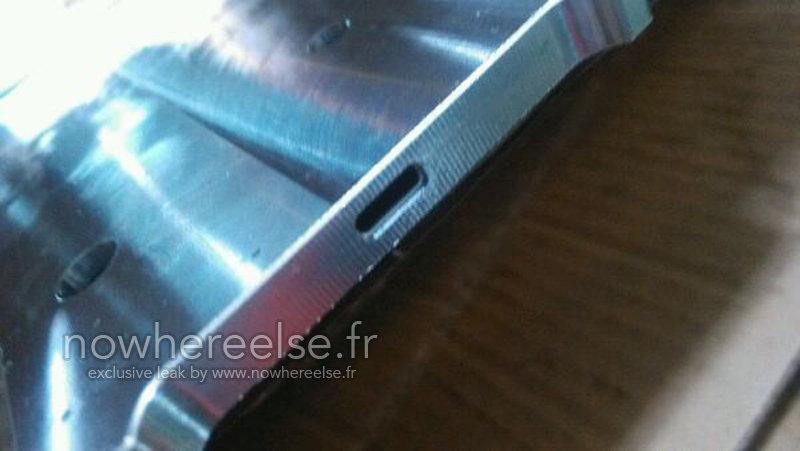 Die Öffnung im Gehäuse spricht für USB Typ C