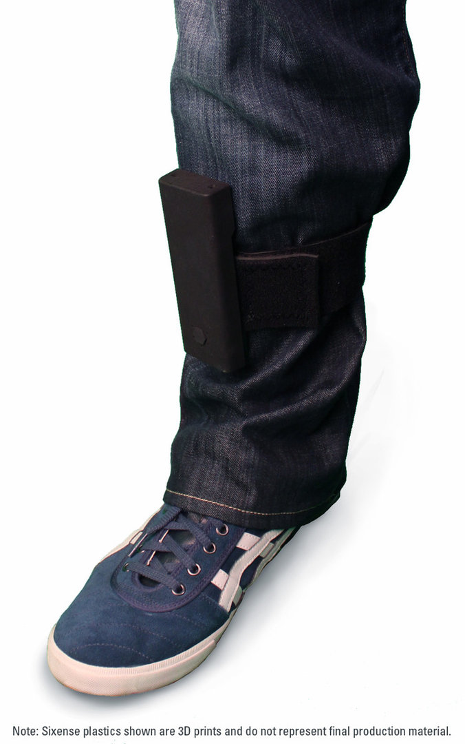 "Am Bein befestigter ""STEM Pack""-Prototyp"