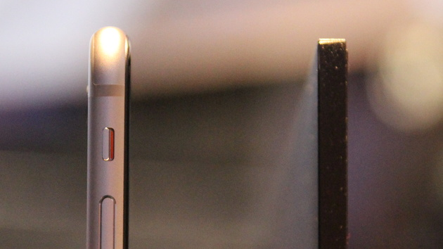 UHD-TV: Sonys 4K-Fernseher X90C ist dünner als das iPhone 6