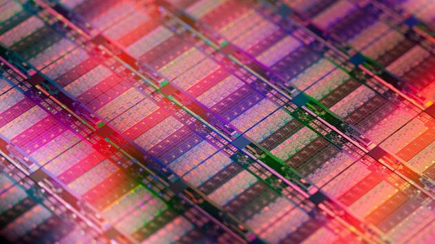 Intel: Die 10-nm-Fertigung soll Ende 2015 marktreif sein