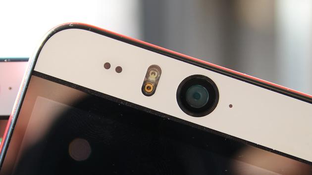 One (M9): HTC arbeitet mit Attrappen im alten Design